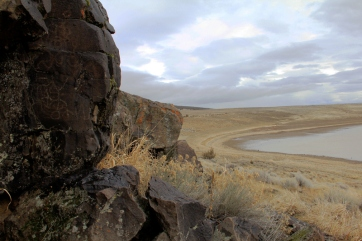 Basalt rim rock looking over Petroglyph Lake